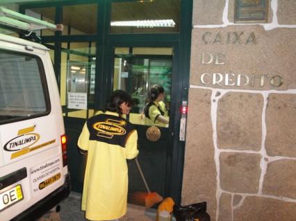 Tinalimpa - Serviços de Higiene e Limpeza - Profissionais de Limpeza em Coimbra - Limpezas de Escritórios