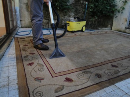 Tinalimpa - Serviços de Higiene e Limpeza - Profissionais de Limpeza em Coimbra - Lavagem de Carpetes e Sofás