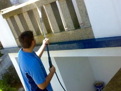 Tinalimpa - Serviços de Higiene e Limpeza - Profissionais de Limpeza em Coimbra - Lavagem de Granitos Máquina de Alta Pressão